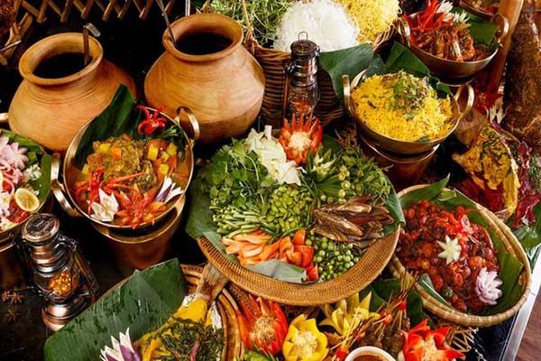 8 Alasan Kenapa Kuliner Indonesia Disukai Turis Mancanegara